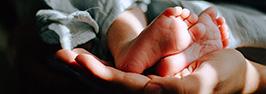 Wat geef je een pasgeboren baby cadeau?