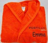 badjasje oranje met logo en naam