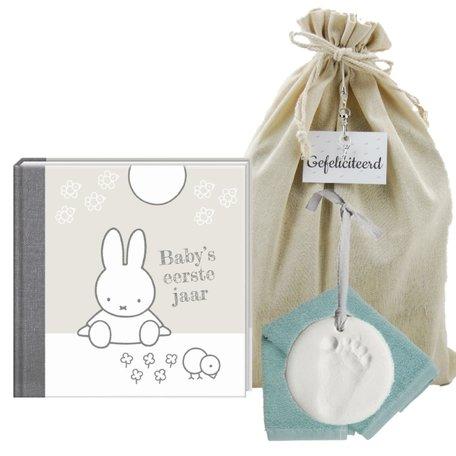 Baby Cadeauset Nijntje Boek Zilver met kleihanger