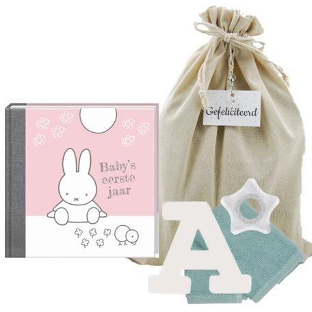 Baby Cadeauset Nijntje Boek Roze met letter