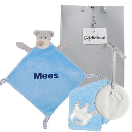 Babypakketje knuffeldoekje beertje blauw met naam