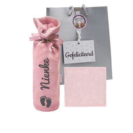 Babypakketje kruikenzak roze met naam